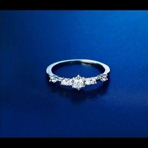 STERLING SILVER RING w 7 CZ DIAMONDS